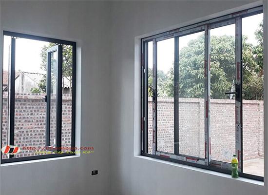 Thi công cửa nhôm hệ tại quận Ba Đình cho căn hộ sang trọng.