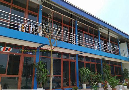 Cửa nhôm Xingfa vẫn gỗ nhập khẩu cao cấp.
