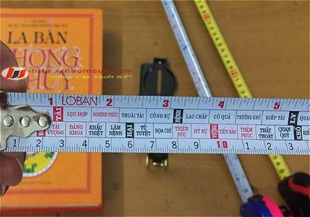 Thước lỗ ban chuẩn phong thủy thường dùng cho đo đạc.